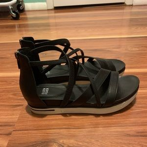 Like new Eileen Fisher Sandals